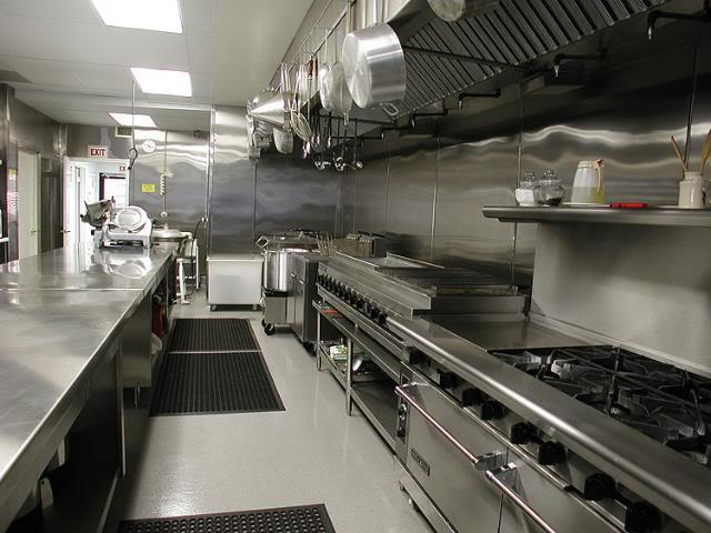 Những thứ không thể thiếu trong bếp nhà hàng