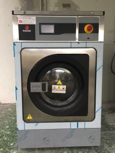 lưu ý khi mua máy giặt công nghiệp