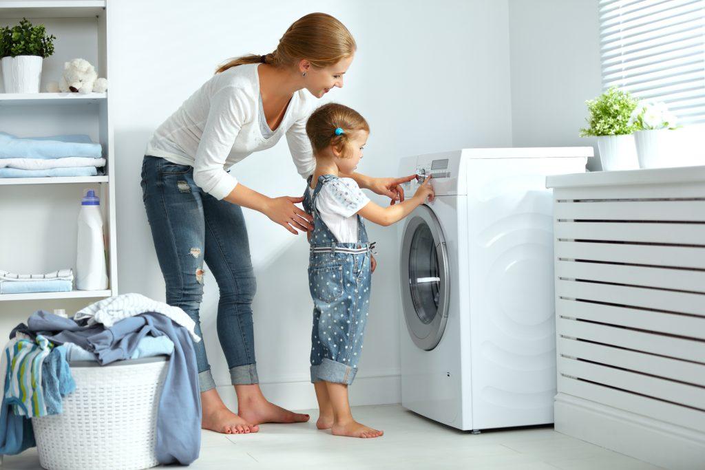 Vệ sinh các thiết bị giặt là công nghiệp