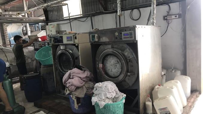 Máy giặt chăn công nghiệp hiệu quả cho xưởng giặt là