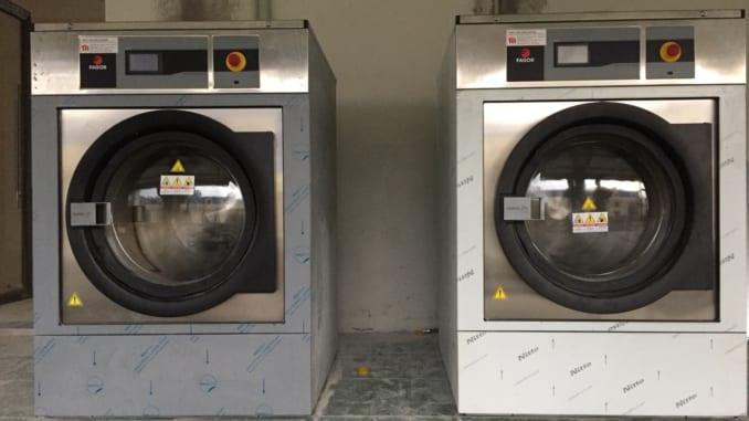 2 dòng máy giặt công nghiệp Fagor 25kg