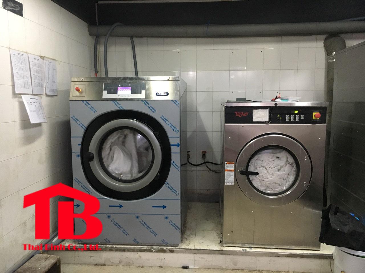 Bán máy giặt là công nghiệp tại Thái Bình