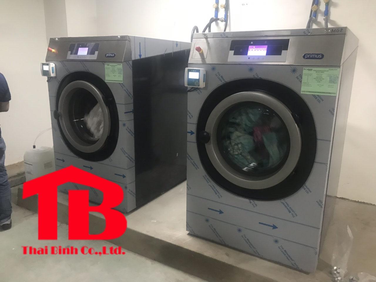 Bán máy giặt là công nghiệp chĩnh hãng
