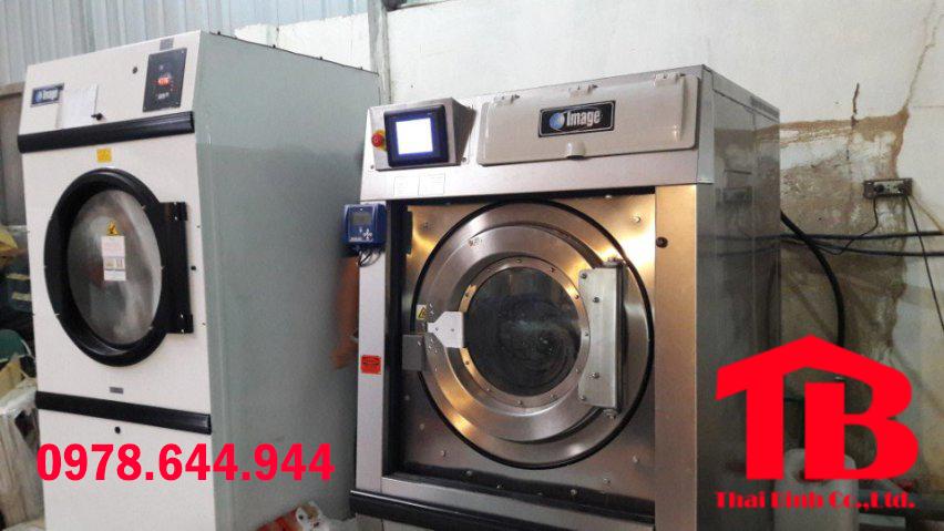 giá máy giặt công nghiệp là bao nhiêu