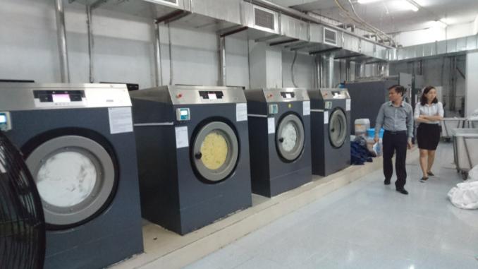 máy giặt quần áo công nghiệp