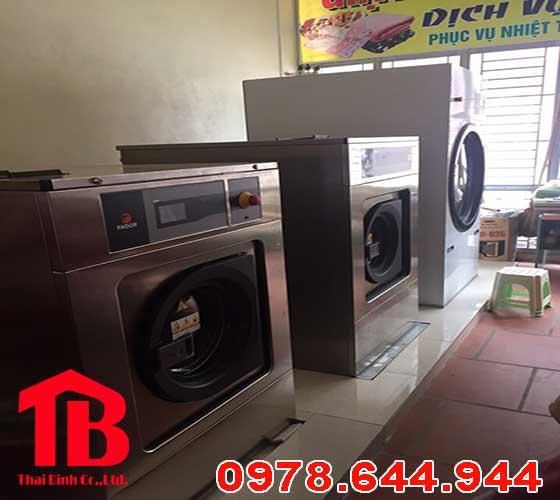 Máy giặt công nghiệp giá bao nhiêu tiền ?