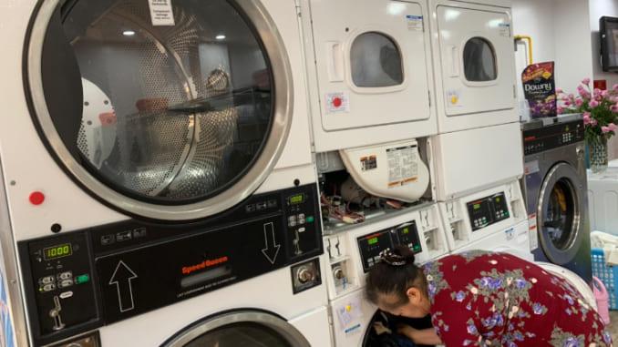 Bạn đã quan tâm đến công đoạn phân loại quần áo trước khi cho vào máy giặt?